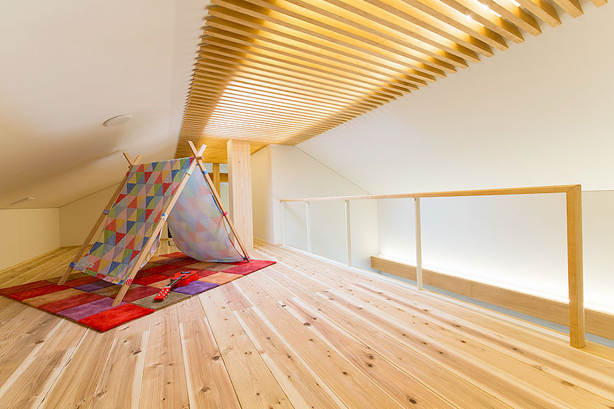 岐阜県可児市の住宅展示場・モデルハウスの屋根裏
