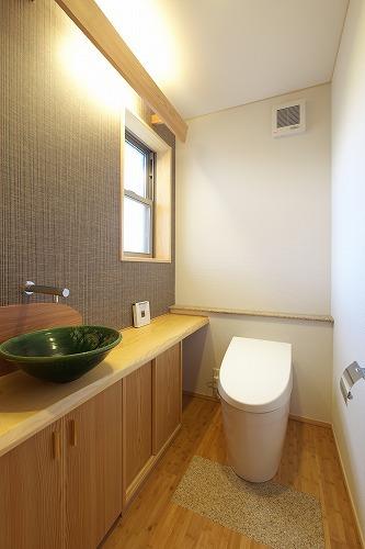 清潔感に溢れスペース十分のトイレ 愛知県小牧市の平屋 施行事例