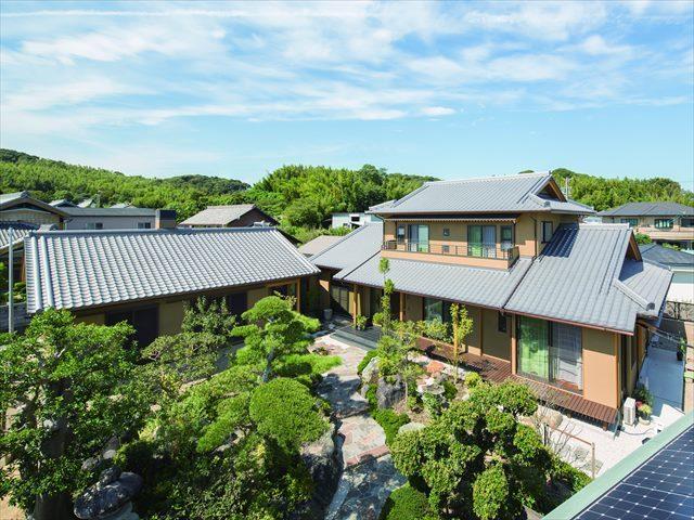 伝統的な和風建築の木造住宅