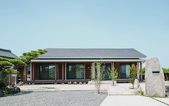 暮らしやすさ溢れる木造の平屋